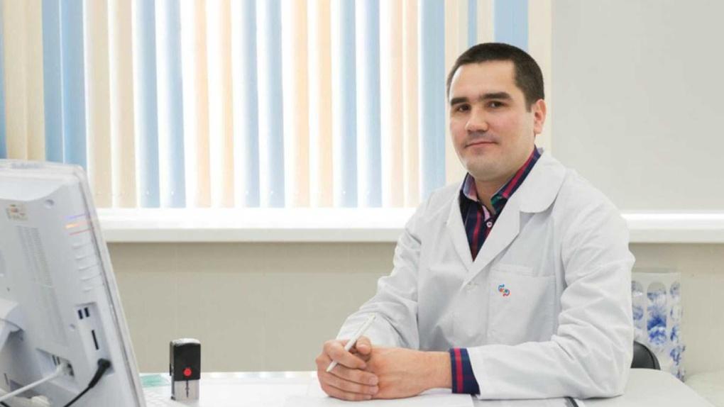 «Я тебя отстраняю»: Александр Высокинский попытался уволить главу Горздрава, но не смог