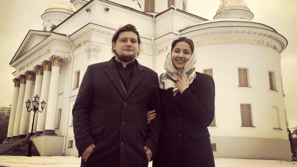 «Смерти нет — о чем еще грустить?» Молодые матушка и батюшка — о том, как сделать православие крутым