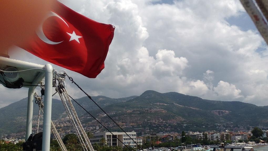 Турция объявила о возобновлении авиасообщения с Россией. Когда и как туда попасть?