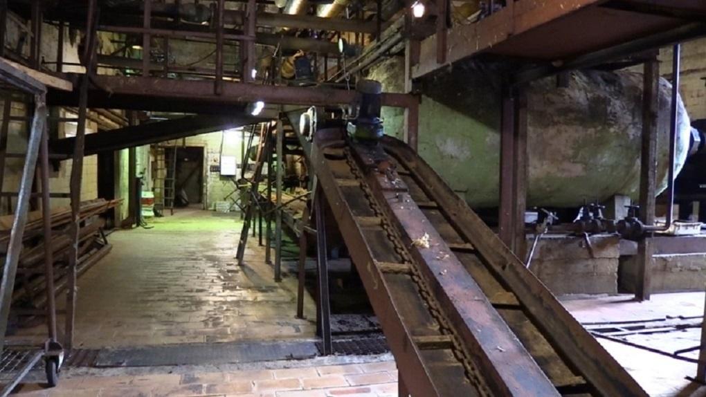 С птицефабрики в Среднеуральске ежедневно исчезают 450 кубов опасных отходов. Это экологическое ЧП