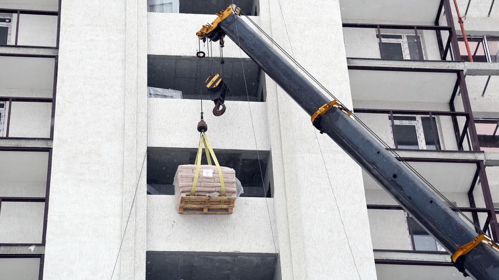 Покупатели квартир в долгострое «Гринвуд» обвинили минстрой в обмане и сговоре с застройщиком
