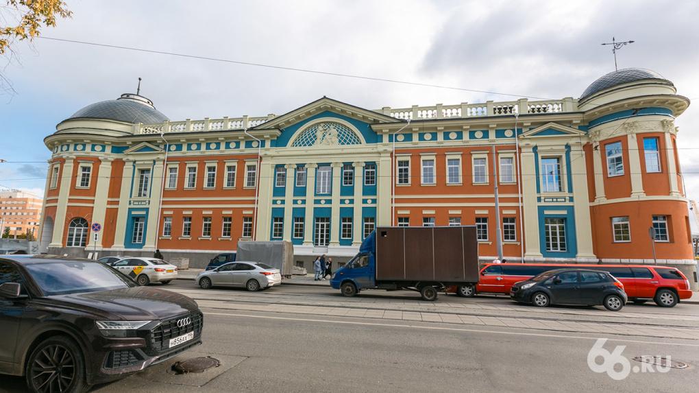 «Сандуновские бани» на Куйбышева готовят к открытию. Реальность отличается от рендеров