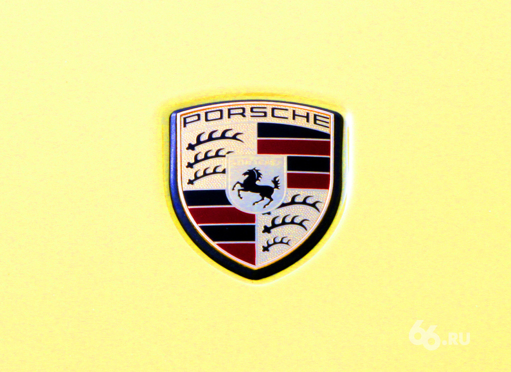 Porsche Road Show: ледовый балет с Panamera и Cayenne