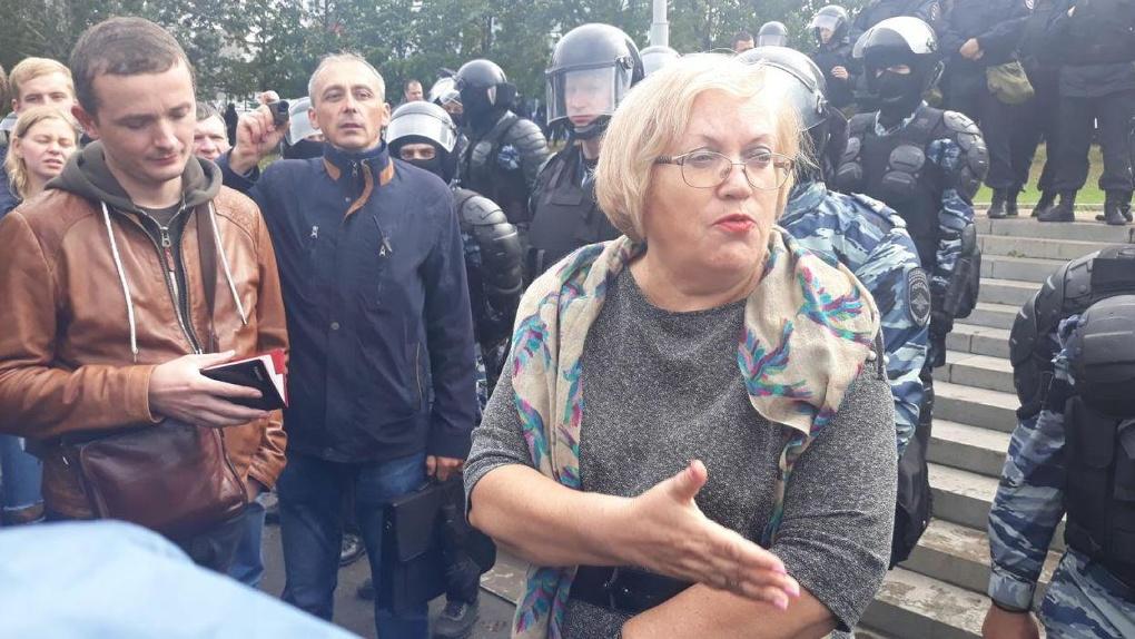 Омбудсмен Татьяна Мерзлякова встретилась в спецприемнике с «интеллектуальным лицом» протестов на Драме