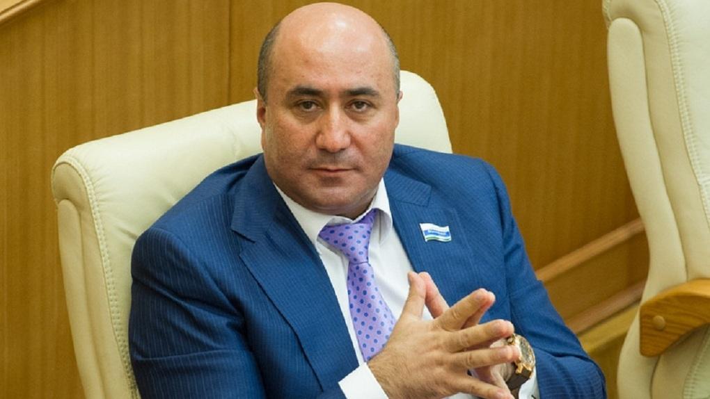 Свердловские депутаты решили отобрать мандат у Армена Карапетяна
