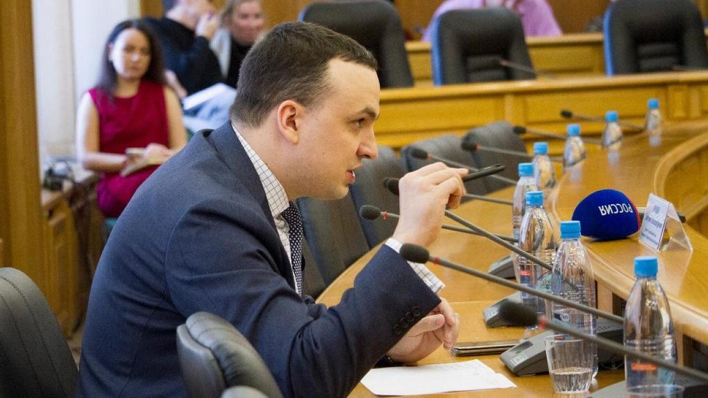 Предприниматели потребовали публично наказать депутата Госдумы Ионина. Утверждают, что он кошмарит бизнес