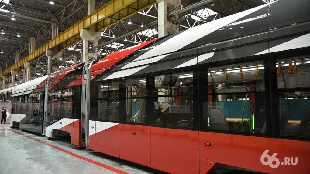 Уралтрансмаш стал продавать в семь раз больше трамваев. Но Екатеринбург их почти не покупает