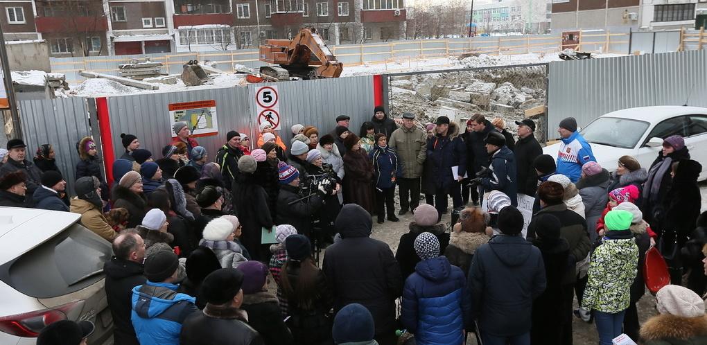 Перемирие кончилось: застройщик с Родонитовой жалуется в прокуратуру
