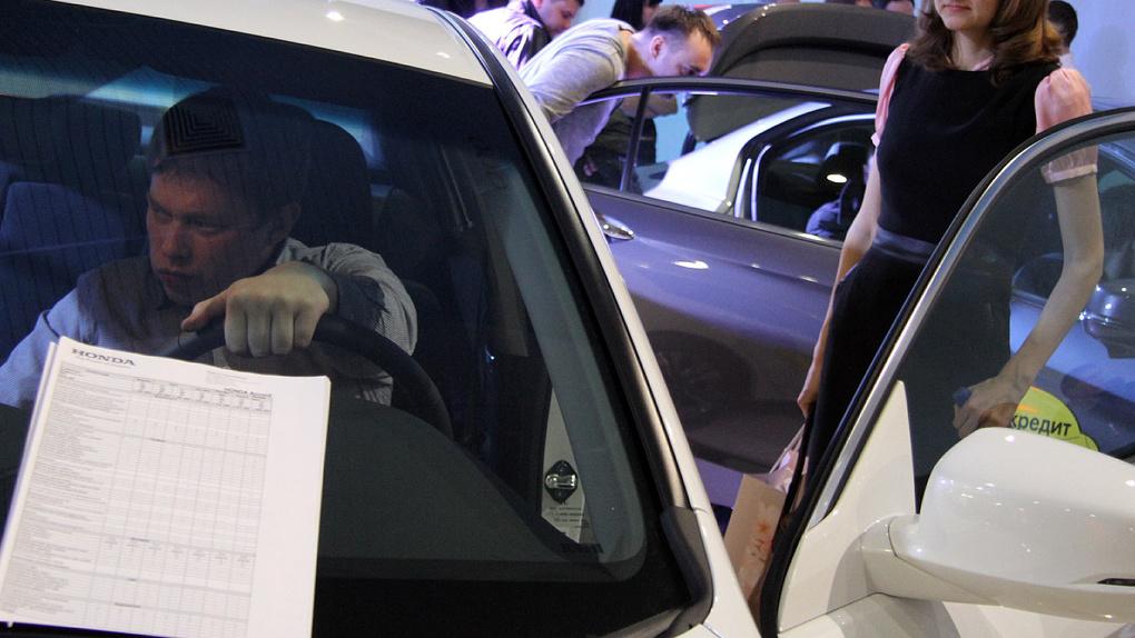 «Импортеры шлют новые тарифы»: автодилеры — о повышении цен на машины