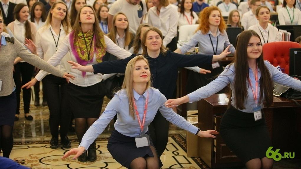 Полюби Путина, поверь в Бога или уходи: каково работать в «Сима-ленде»