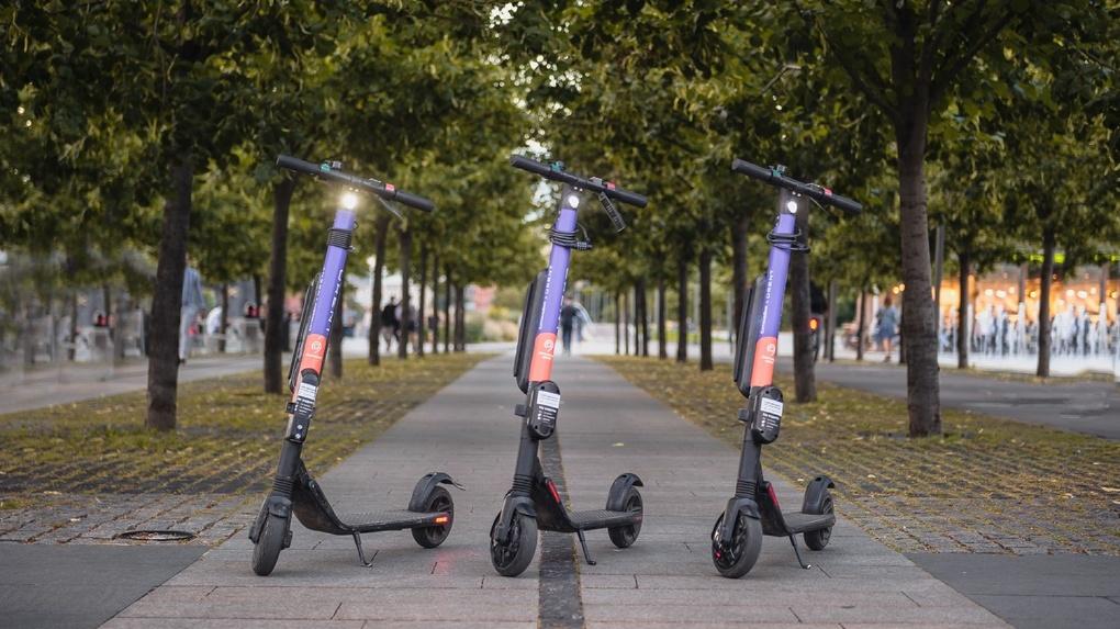 «Замедление» Whoosh – только начало. Как пешеходов Екатеринбурга будут защищать от гонщиков на самокатах
