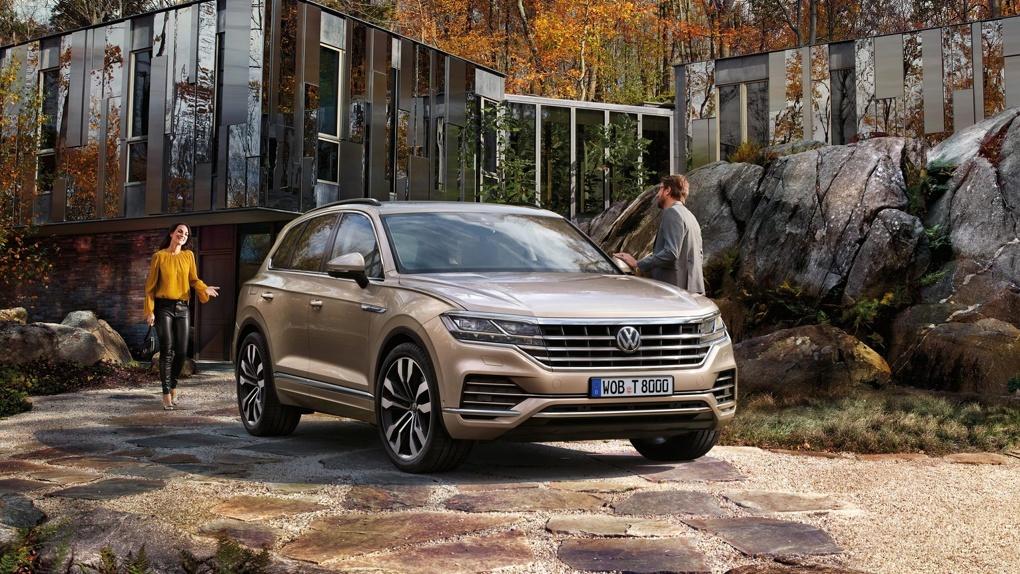 Борода из хрома: Volkswagen показал новый Touareg