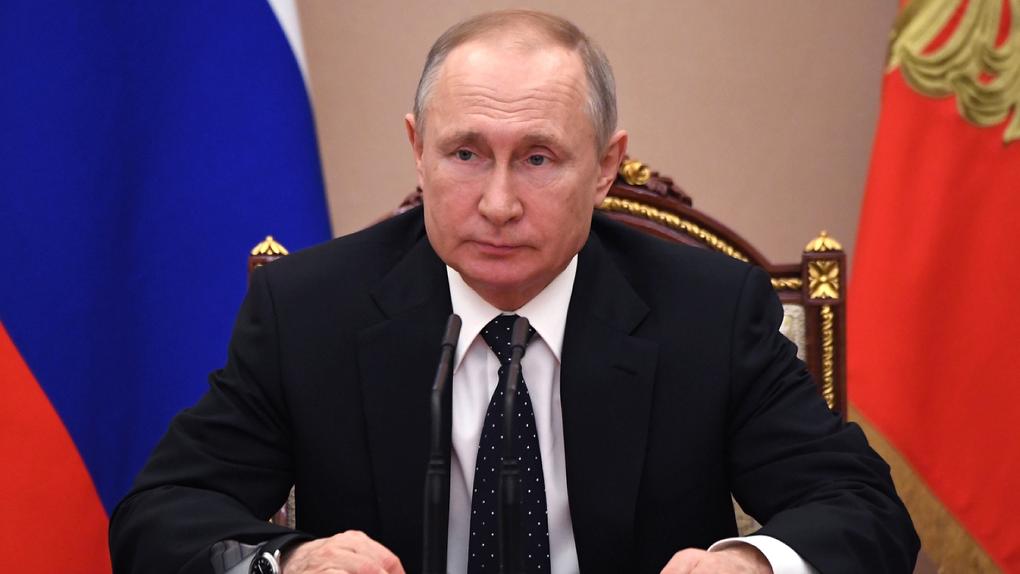 Владимир Путин запретил вводить обязательную вакцинацию от коронавируса