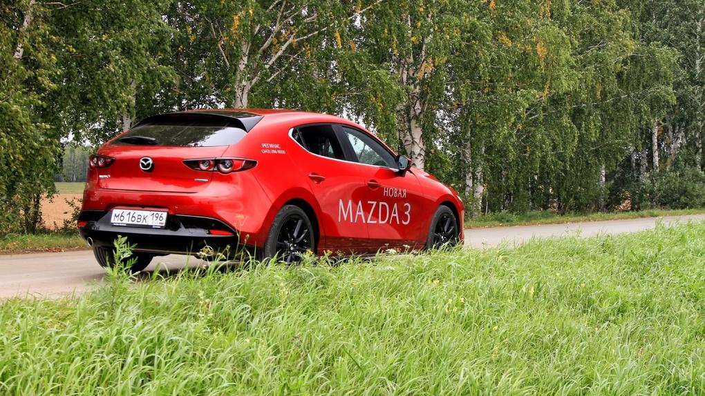 Mazda 3 попыталась стать премиалочкой. Что из этого вышло