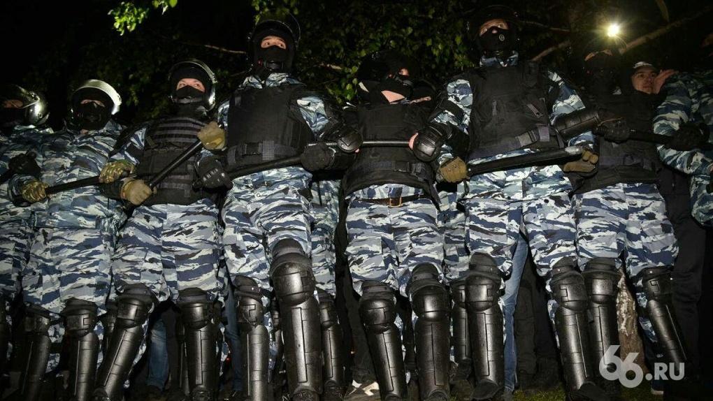 Бойцы Росгвардии начнут следить за соблюдением масочного режима в общественном транспорте Екатеринбурга