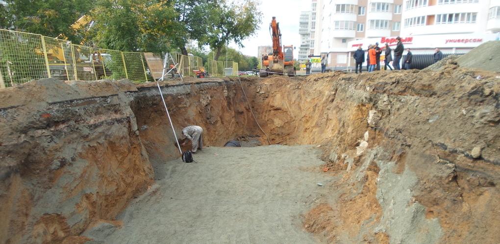 Здесь было кладбище и церковь Нагорная Всех Святых: МУГИСО взяло под контроль раскопки на Татищева