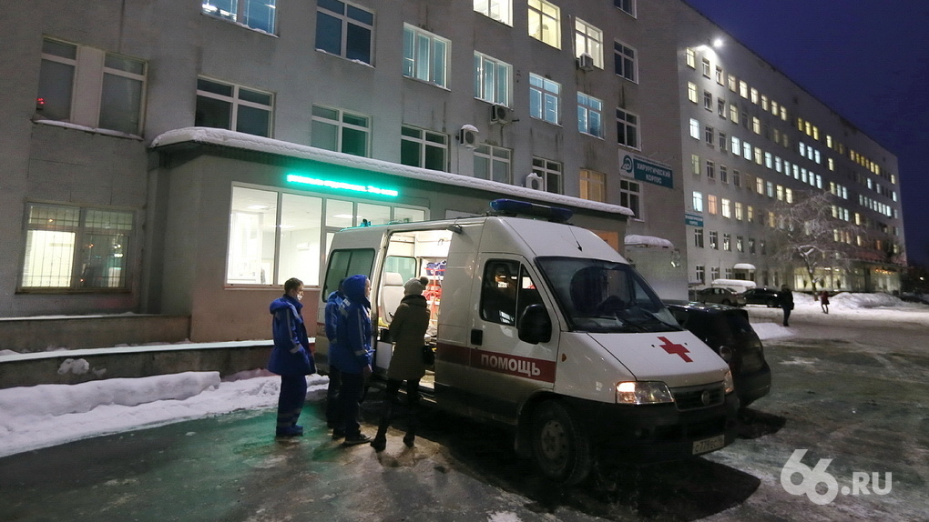 Перевозчик врачей скорой помощи полностью укомплектовал штат водителями взамен взбунтовавшихся