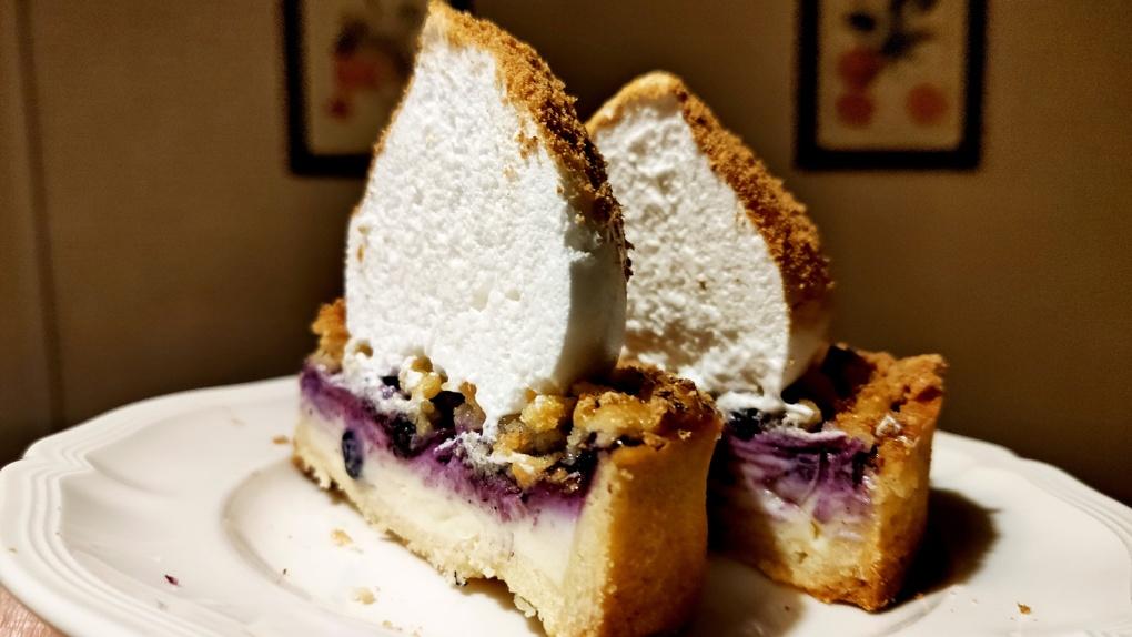 Хлебный путь: Яков Можаев обедает в кафе-пекарне Breadway