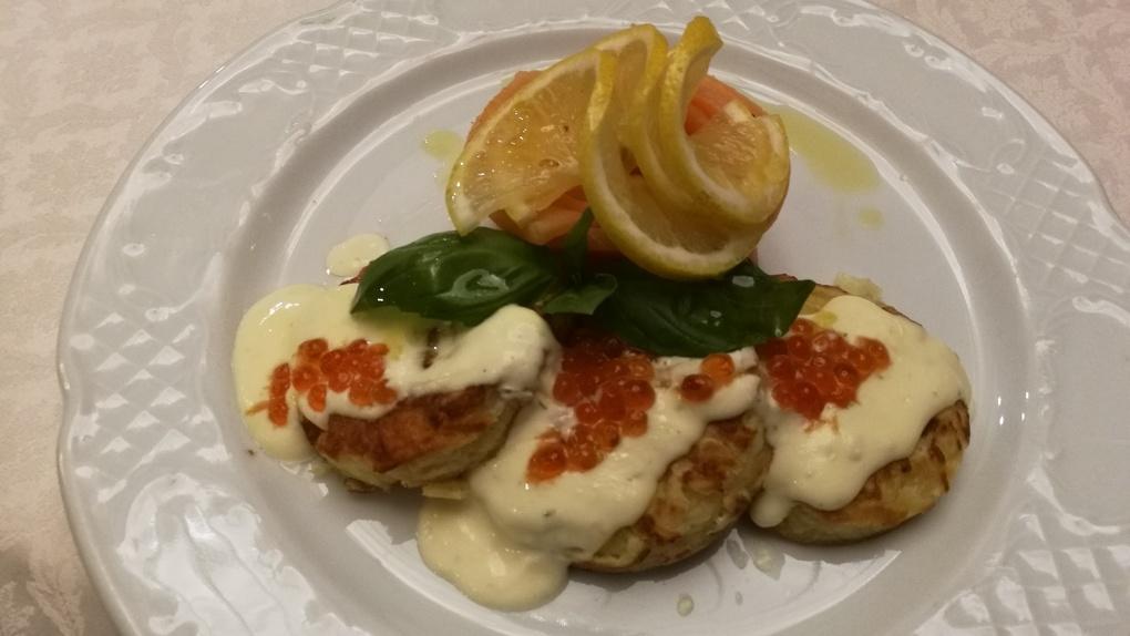 В СССР на вагоне-ресторане: Яков Можаев ужинает в ресторане «Свой манер»