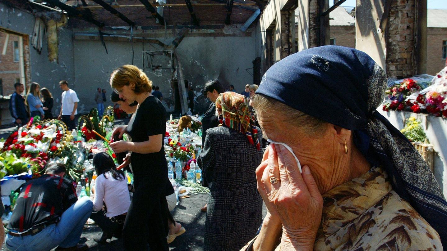 «Эффект бомбы»: скандальный репортер Дудь выпустил фильм отеракте вБеслане